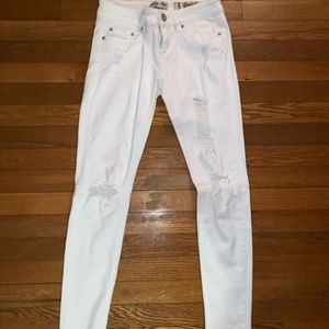 Perfect Condition white ripped skinny jeans